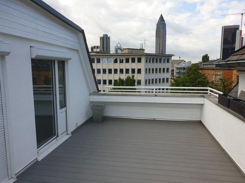 REMAX - Renovierte 4 Zimmer Maisonette Wohnung in bester Lage des Westends - Frankfurt am Main